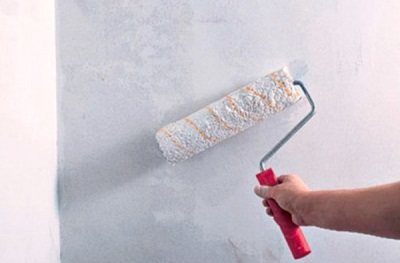 Грунтовка стен в ванной