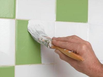 Окрашивание плитки в ванной