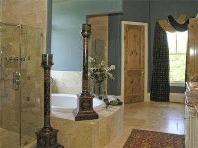 Деревянные двери ванной комнате