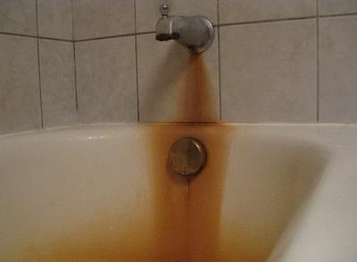 Ржавчина на смесителе и ванне