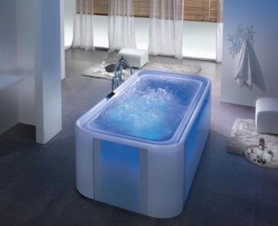 Ванна с подсветкой и гидромассажем