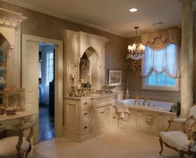 Спокойное освещение большой ванной