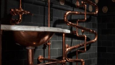 Трубопровод в ванной