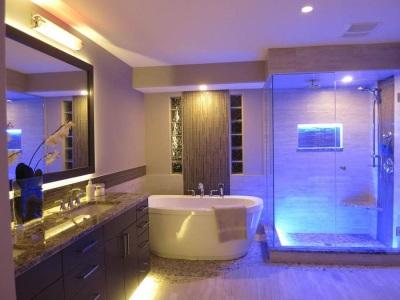 Полное освещение всех зон ванной комнаты
