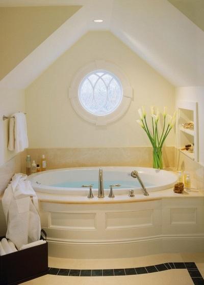 Имитация окна в ванной комнате