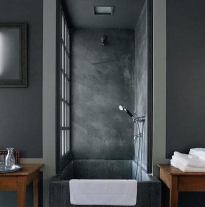 Не правильная отделка ванной комнаты в темно-серые тона