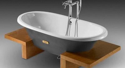 Белоснежная эмаль чугунной ванны