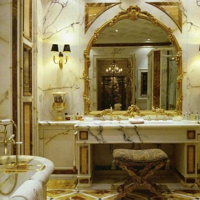 Надежные туалетные столики в ванной комнате
