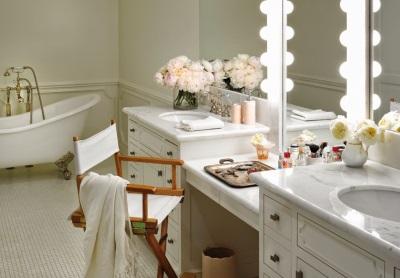 Туалетные столики в ванной - красота и функциональность
