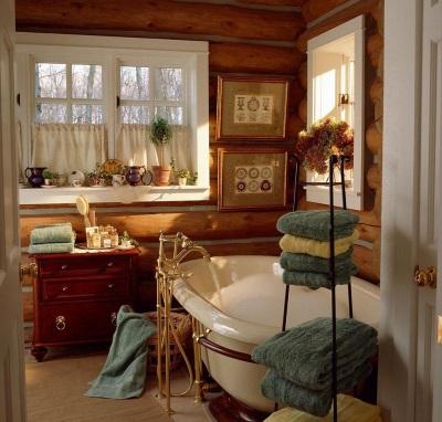 Красивая ванная в стиле кантри с картиной