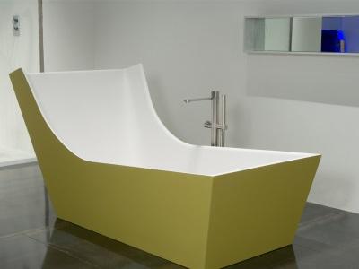 Ассиметричная ванна от Антонио Лупи