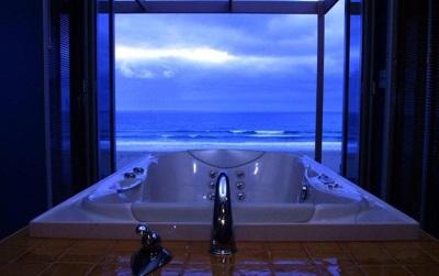 Ванна спа Apollo в ванной комнате