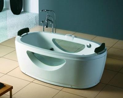 Ванна Apollo в ванной комнате