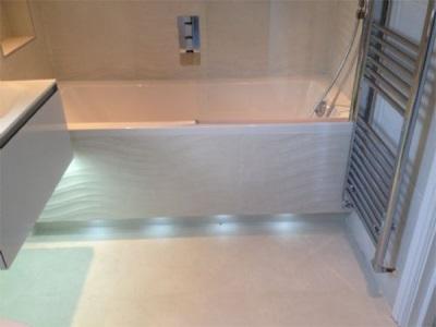 Экран раздвижной с подсветкой для ванны