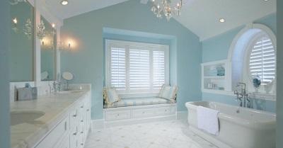 Светло-голубая ванная