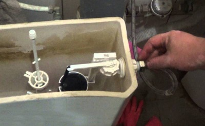 Ремонт бокового подвода бачка унитаза