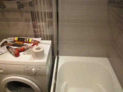 Установка пластиковой шторки на ванну