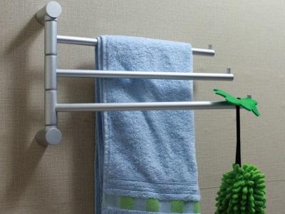 Настенная вешалка для полотенец в ванной комнате