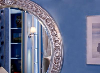 Размещение бра в ванной на противоположной стороне от зеркала