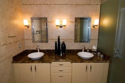 Требования к настенным бра в ванной комнате