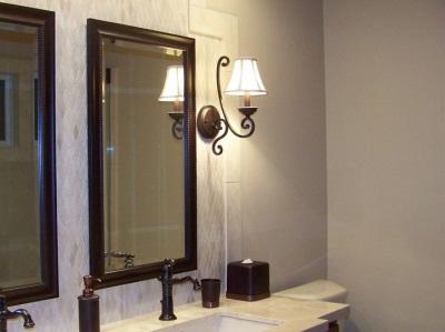 Недостатки настенных бра в ванной комнате