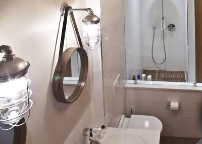 Настенные бра для ванной в античном стиле