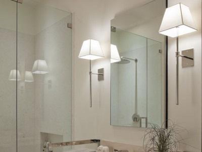 Настенные бры для ванной комнаты в стиле хай-тек