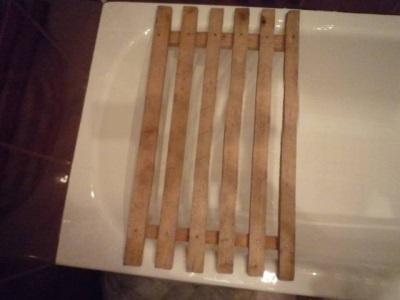 Деревянная самодельная сушилка накладываемая на ванну