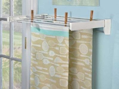 Пластиковая настенная сушилка для белья в ванную