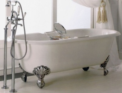 Недостатки отдельностоящих ванн