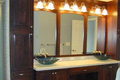 Правила подсветки зеркал в ванной