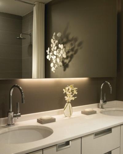 Светодиодный светильник в ванной