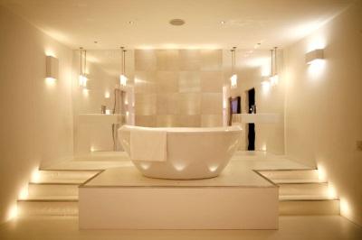 Светодиодные светильники и подсветка в ванной