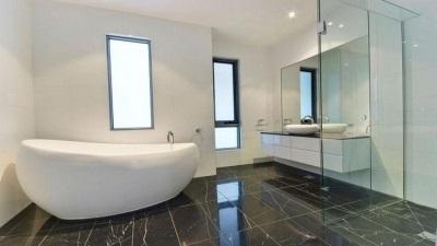 Недостатки овальной ванны