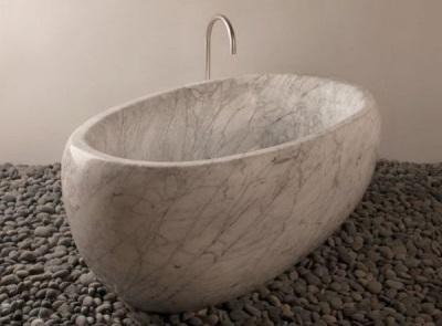 Мраморная овальная ванна