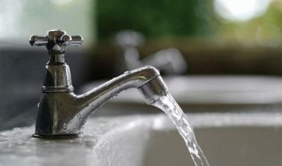 Смеситель с включенной водой - Расход воды на ванну