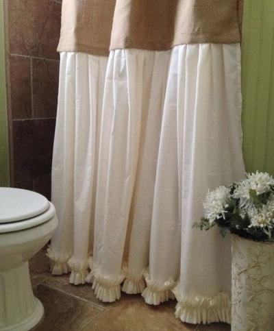 Комбинированная шторка в ванной из плотной и тонкой ткани