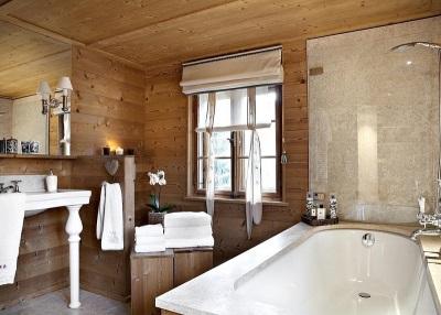 Интерьер в ванной комнате в стиле шале