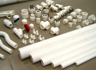 Подготовительные работы для замены водопроводных труб в ванной своими руками