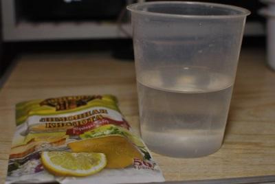 Раствор лимонной кислоты для размягчения старой затирки между плиткой