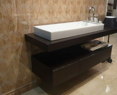 Самодельная подвесная необычная тумба с раковиной для ванной