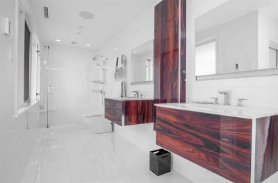 Подвесные тумбы из дерева с раковиной для ванной комнаты