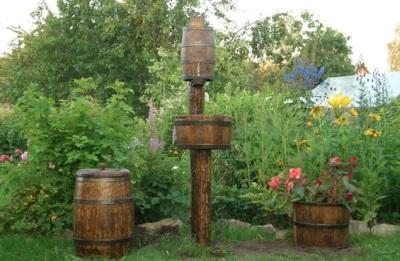 Умывальник для дачи своими руками из деревянной бочки