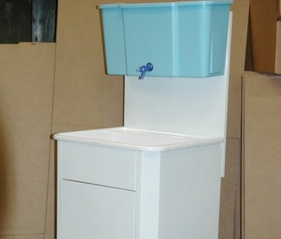 Умывальник-мойдодыр для дачи без подогрева воды