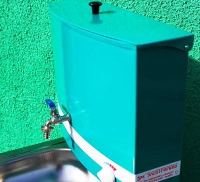 Прямоуголный бак под воду для умывальника-мойдодыра на дачу