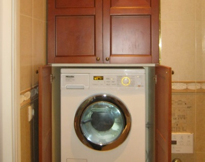 Самодельный шкаф для стиральной машины в ванной комнате