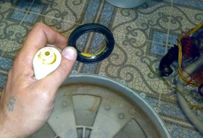 Использование заменителей вместо специализированных средст для смазки сальников приводит к быстрой поломке стиральных машин