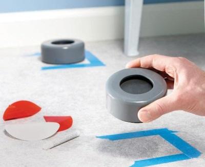 Силиконовые подставки под стиральную машину, если она стучит при отжиме или стирке