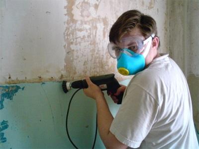 снятие краски при помощи электроинструментов