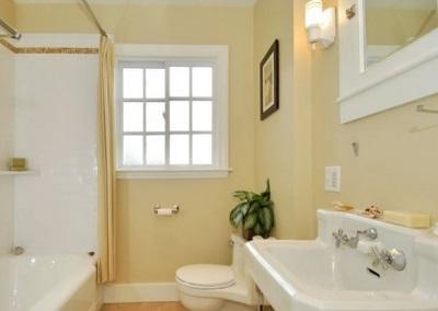 Оштукатуренная ванная комната